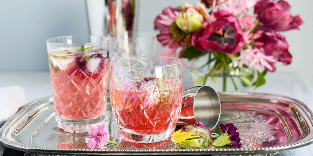 Redcurrant Cocktail with Floral Ice