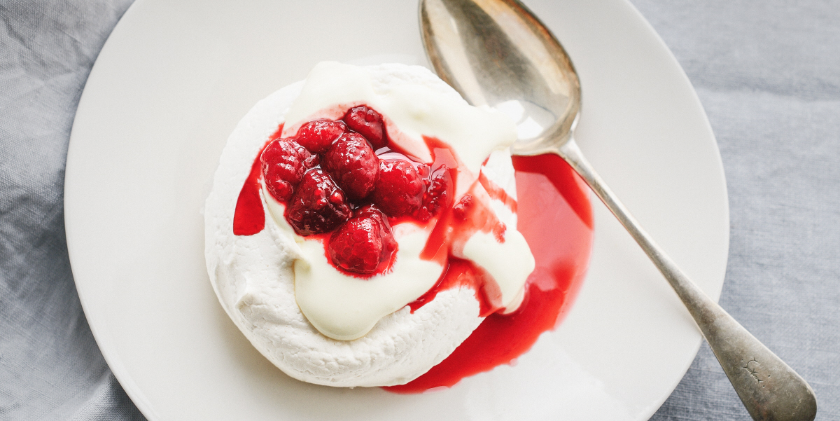 Merginues with poached berries